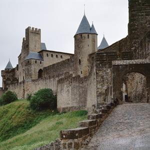 castillo-banner-400x400-72dpi